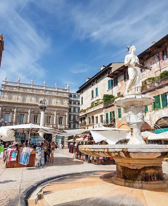 Visitare Verona - Piazza Erbe