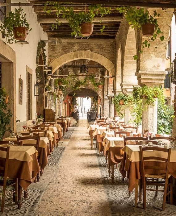 Visitare Verona - Via Sottoriva