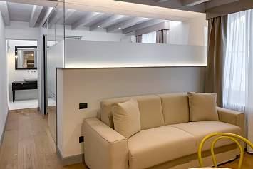 Appartamenti Verona - Ingresso Appartamento Duomo